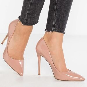 NEW Steve Madden Daisie Blush Patent Leather Pumps